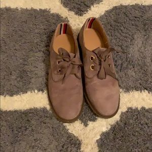 Tommy Hilfiger suede oxfords size 7.